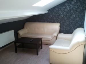 coin salon studio meublé